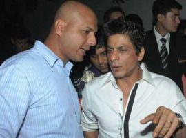 Shah-Rukh-Khan-with-his-bod