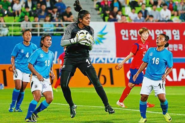 Aditi-Chauhan-Goal-Keeper