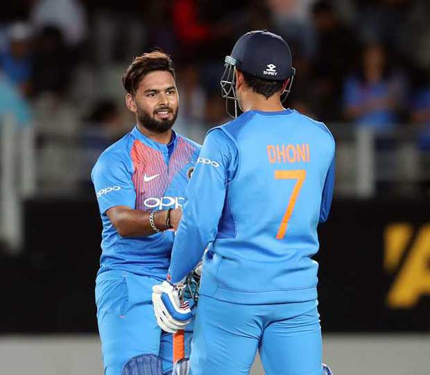 Rushab-Pant-and-Dhoni